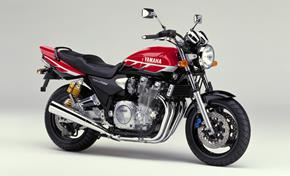 2000-XJR1300SP-Vivid_Red_Black_(VRC1)_PS from 236-447406 (gc_single_col)