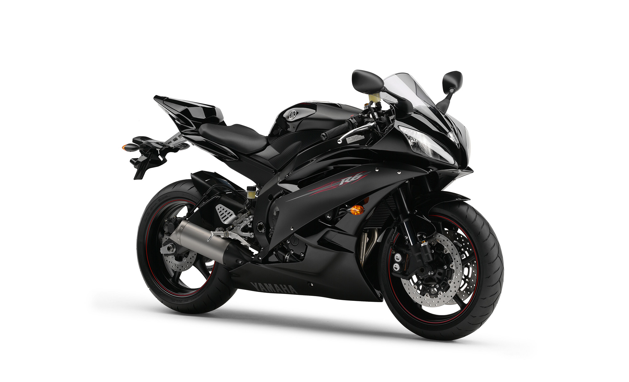 ... Archived Articles - Yamaha Design Cafe English: New R6 2006 - Page 3