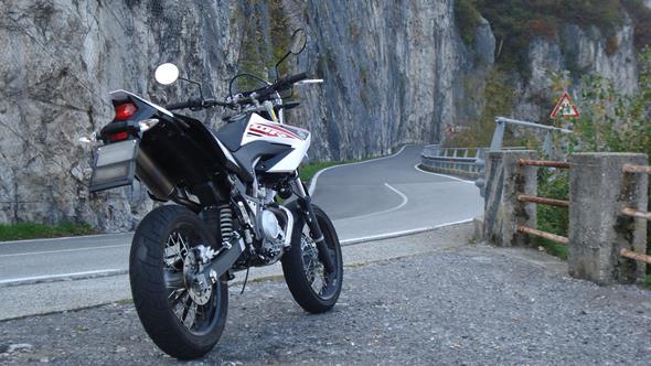 Moto 125 Wr Yamaha Idea Di Immagine Del Motocicletta