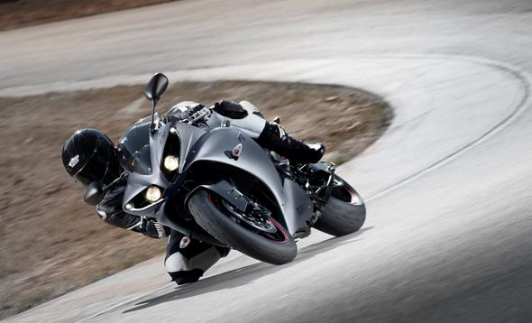 YZF-R1: Traction control born from racing