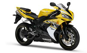 2013_YZF1000R1_About Design - Development_YZF-R1 2006_05 from 236-526922 (gc_single_col)