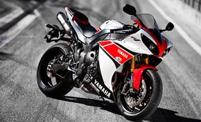 2013_YZF1000R1_About Design - Development_YZF-R1 2012_06 from 236-526928 (gc_single_col)