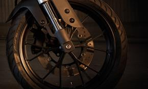 2014_MT125_Sport Touring_Beautiful wheel design and compact hub from 236-579174 (gc_single_col)