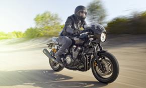 2015_XJR1300_Sport Touring_Racer version with vintage superbike feeling from 236-591353 (gc_single_col)