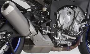 2015_YZF1000R1_Supersport_Engine is completely new from 236-598291 (gc_single_col)