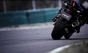 2015_YZF1000R1_Supersport_Special feeling, special sound from 236-598351 (gc_single_col)