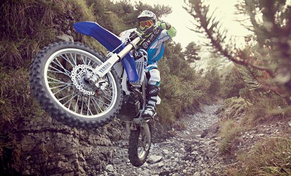 WR250F: Strong enduro package with reversed engine layout