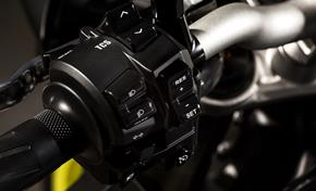 2016_MT10_Sport Touring_Cruise control and traction control switch on the tapered handlebar from 236-661014 (gc_single_col)