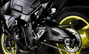2016_MT10_Sport Touring_Massive Deltabox swingarm combined with short wheelbase from 236-661044 (gc_single_col)
