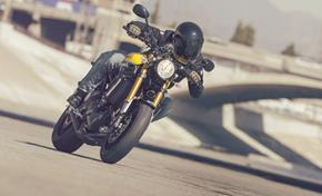2016_XSR900_Sport Touring_Performance of the 3-cylinder and wider tank from 236-650106 (gc_single_col)