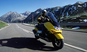 2017_XP500_Scooters_The first T-Max in 2001 from 236-681866 (gc_single_col)
