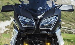 2018_MT09TR_Sport Touring_Tracer 900GT - 2018 from 236-741791 (gc_single_col)