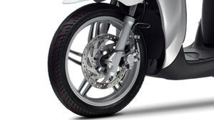 Roţi de 16 inci cu un nou design al pneurilor