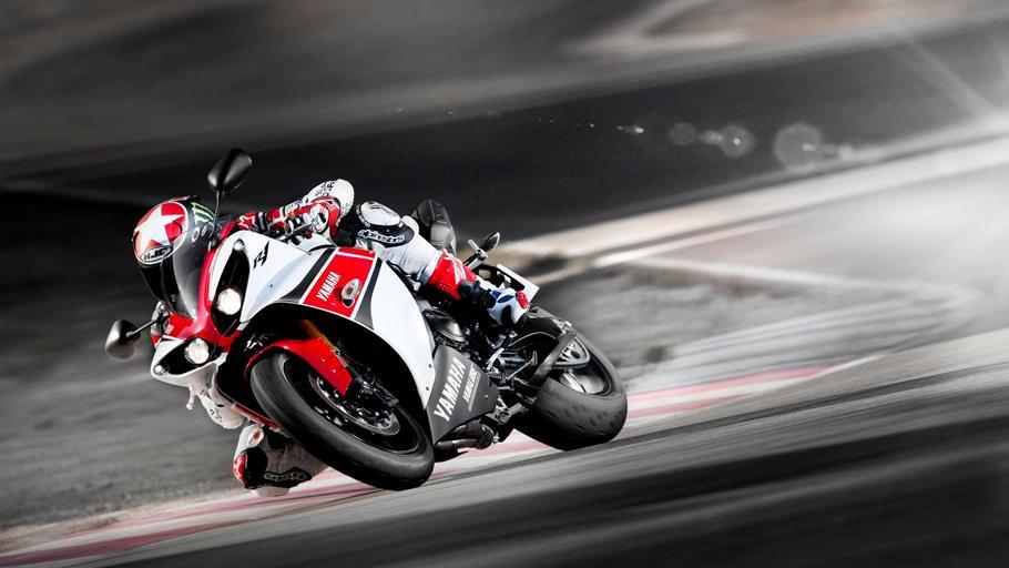 R1 2012-Yamaha-YZF-R1-WGP-50th-Anniversary-EU-Anniversary-White-Action-004_gal_full