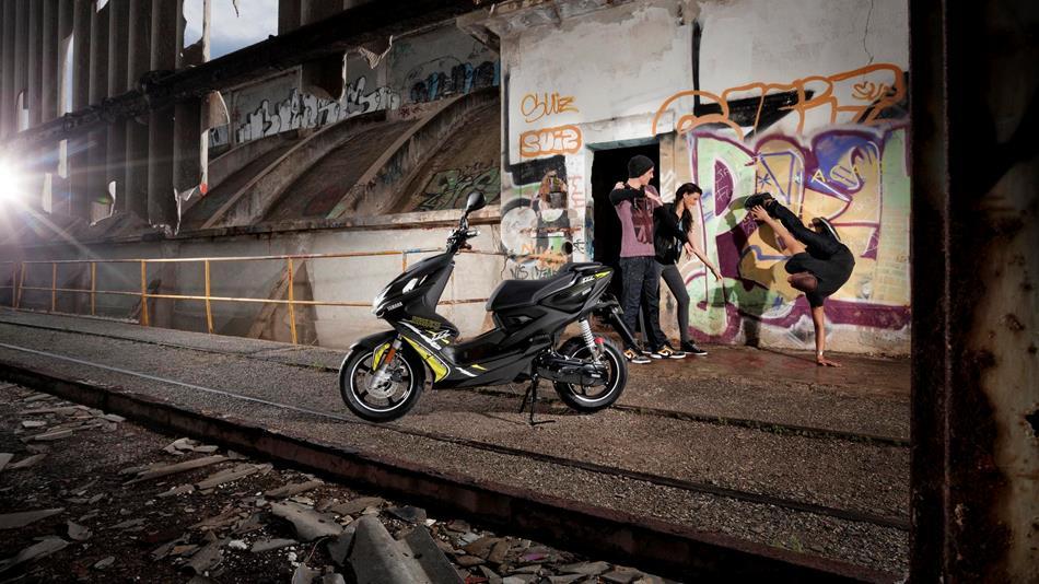 Yamaha Yamaha Aerox Naked! 49 cm3, 2013 god.