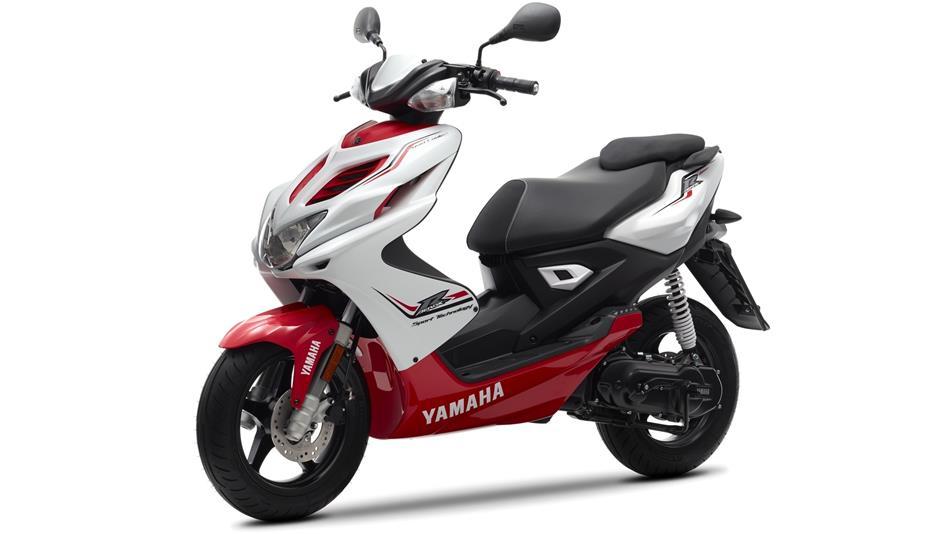 2015 Honda Trike Motorcycles besides AMSOIL Dominator Racing Oil 2 ...