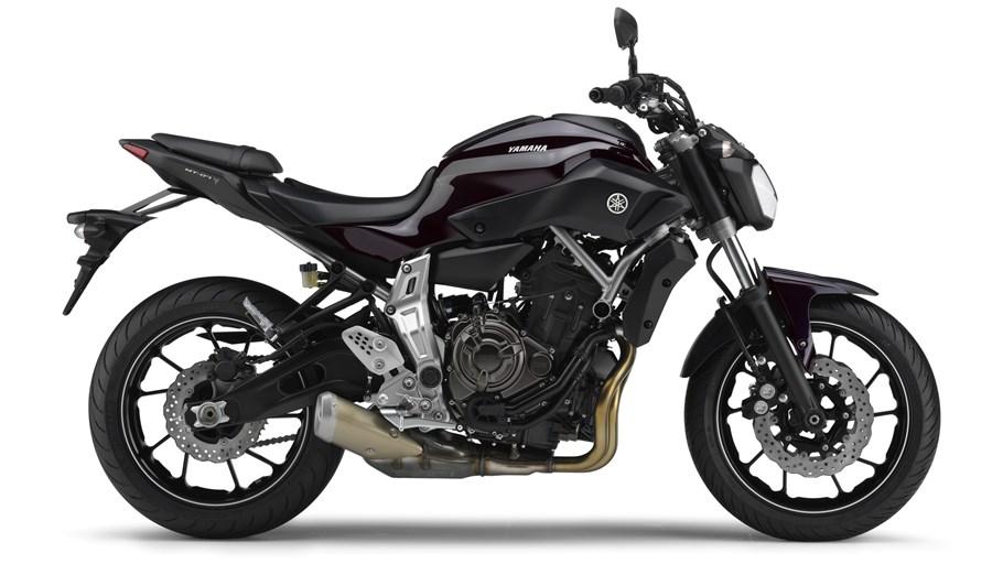 2014-Yamaha-MT-07-EU-Deep-Armor-Studio-0