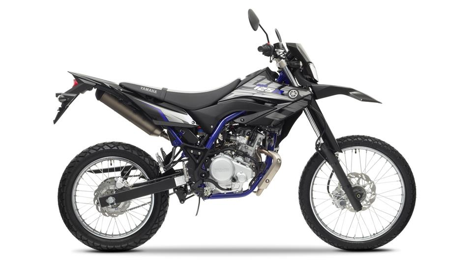 2014-Yamaha-WR125R-EU-Yamaha-Black-Studio-002
