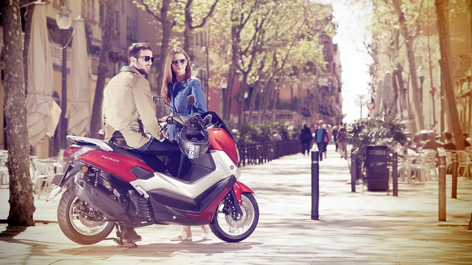 2015-Yamaha-G125YM-EU-Power-Red-Static-004