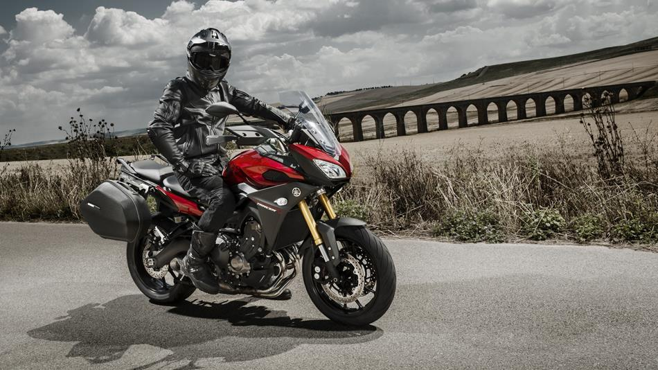 Yamaha MT-09 Tracer - YouTube