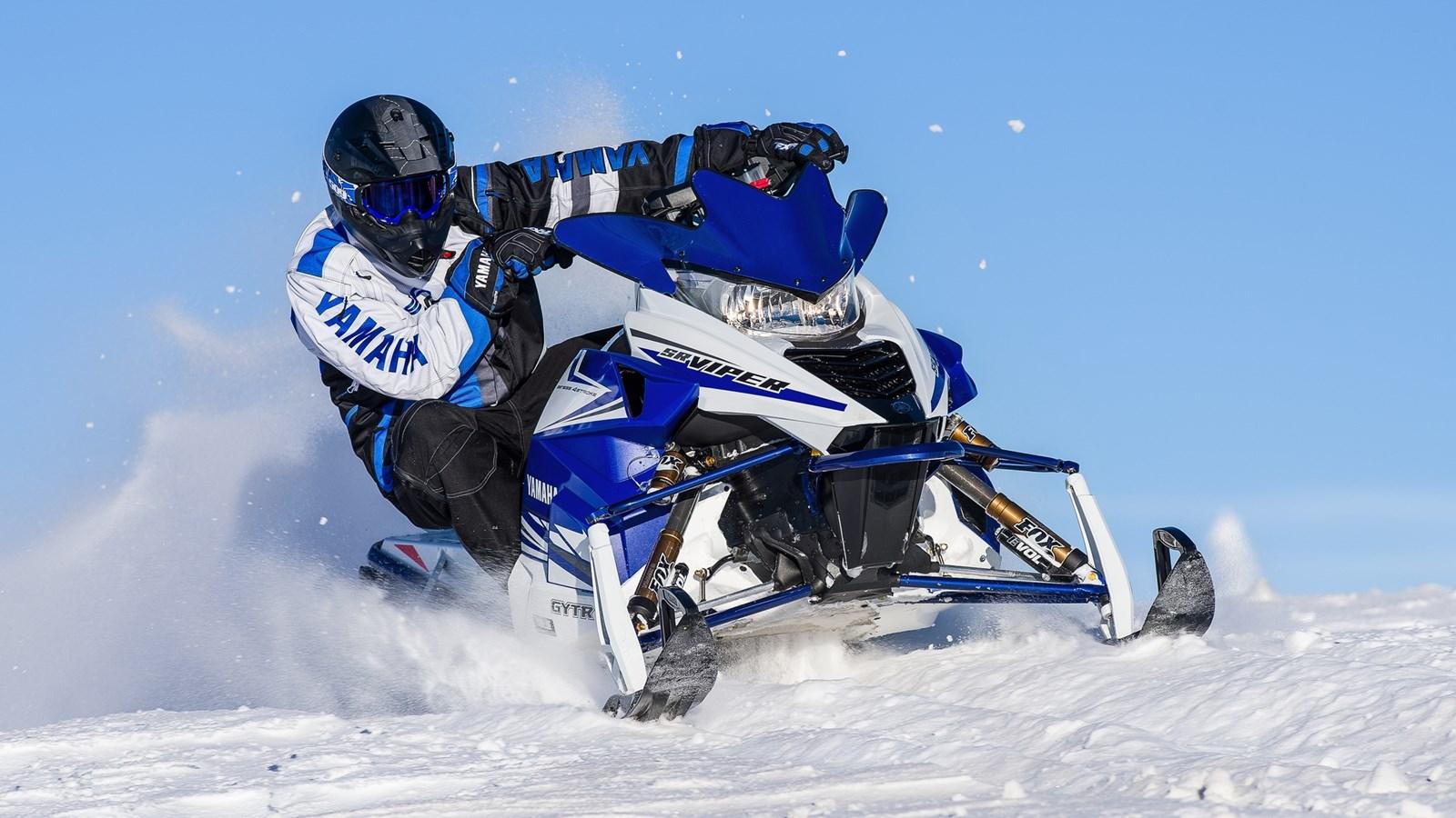 2015-Yamaha-SRViper-R-TX-LE-EU-Racing-Bl
