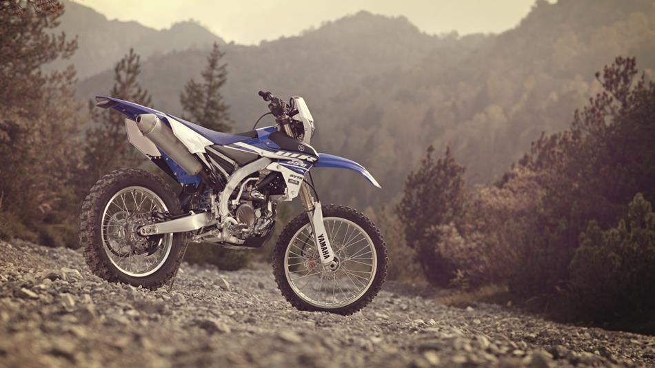 2015-Yamaha-WR250F-EU-Racing-Blue-Static-002.jpg