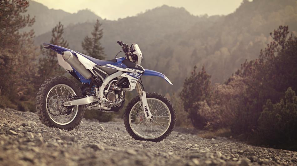 2015-Yamaha-WR250F-EU-Racing-Blue-Static-002.jpg