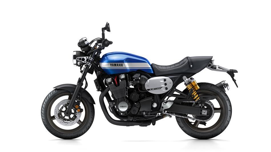Enfield GT d'occase - Page 6 2015-Yamaha-XJR1300-EU-Power-Blue-Studio-006