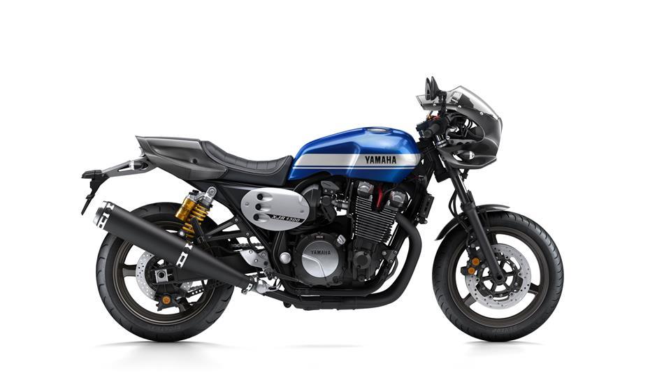 Seven Fifty en cassoulet racer 2015-Yamaha-XJR1300-Racer-EU-Power-Blue-Studio-002