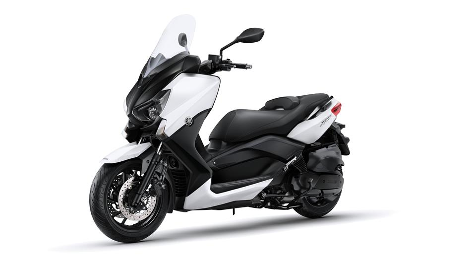 x max 400 2015 scooters yamaha motor uk. Black Bedroom Furniture Sets. Home Design Ideas