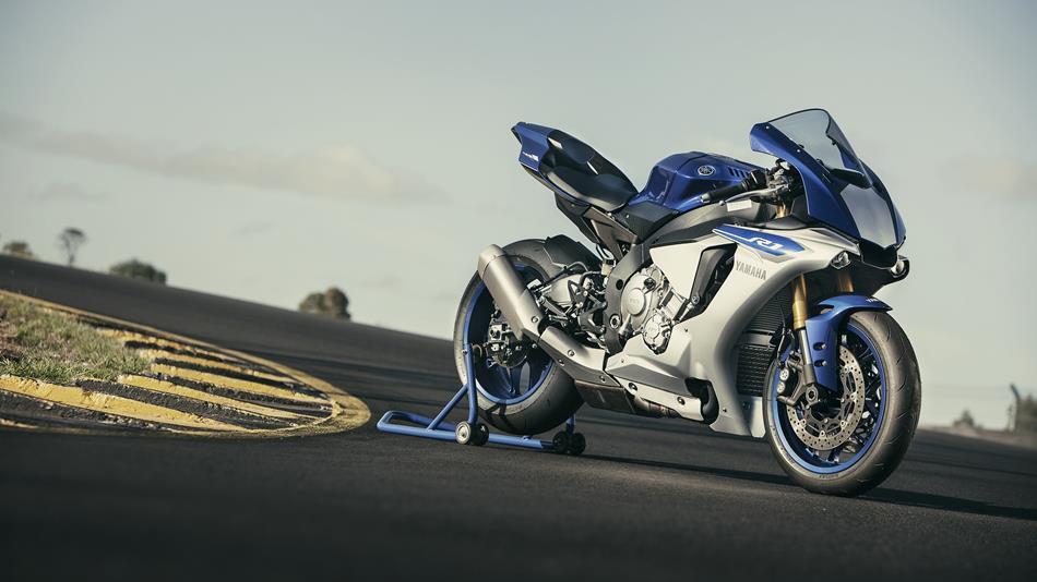 http://cdn.yamaha-motor.eu/product_assets/2015/YZF1000R1/950-75/2015-Yamaha-YZF-R1-EU-Race-Blu-Static-001.jpg