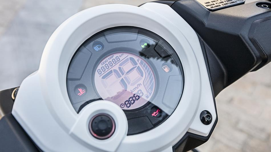 Aerox R 2016 Features Amp Techspecs Scooters Yamaha Motor Uk