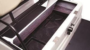 Moderna karoserija s prostorom za pohranu ispod sjedala