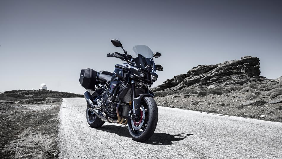 2016-Yamaha-MT-10-EU-Tech-Black-Accessor