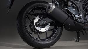 Aluminijski kotači s 10 krakova i stražnjom gumom od 140 mm