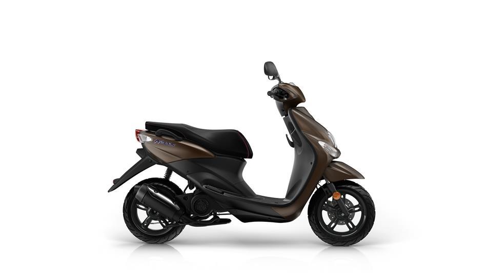 2016 Yamaha Neos EU Mocaccino Brown Studio 002