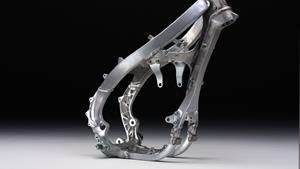 Şasiu de aluminiu, bazat pe modelul YZ-F