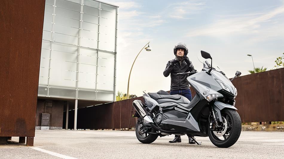 [Antea - Tmax 500] Présentation ! 2016-Yamaha-XP500SPL-EU-Nimbus-Grey-Static-003