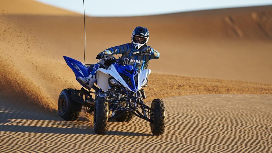 2016-Yamaha-YFM700R-EU-Racing-Blue-Static-002