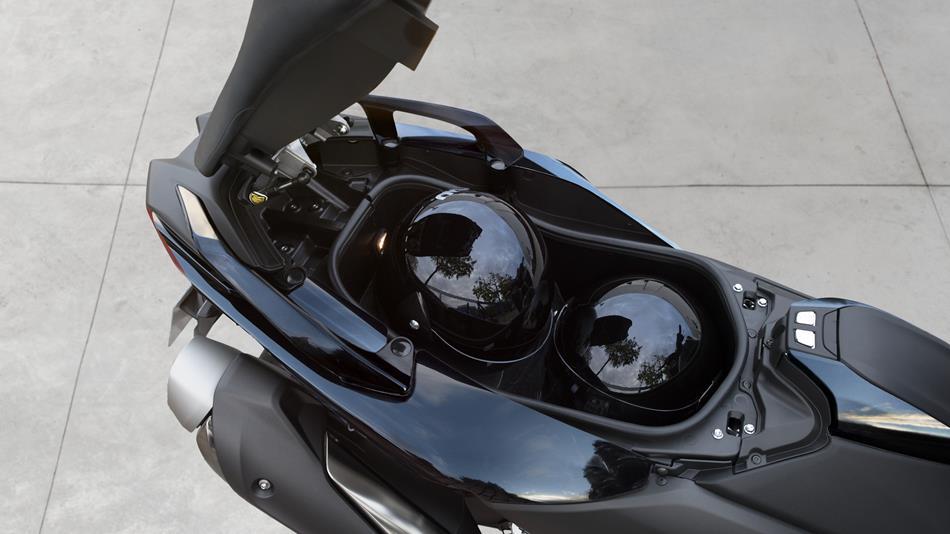 Tmax Abs 2017 Dati Tecnici E Prezzi Scooter Yamaha