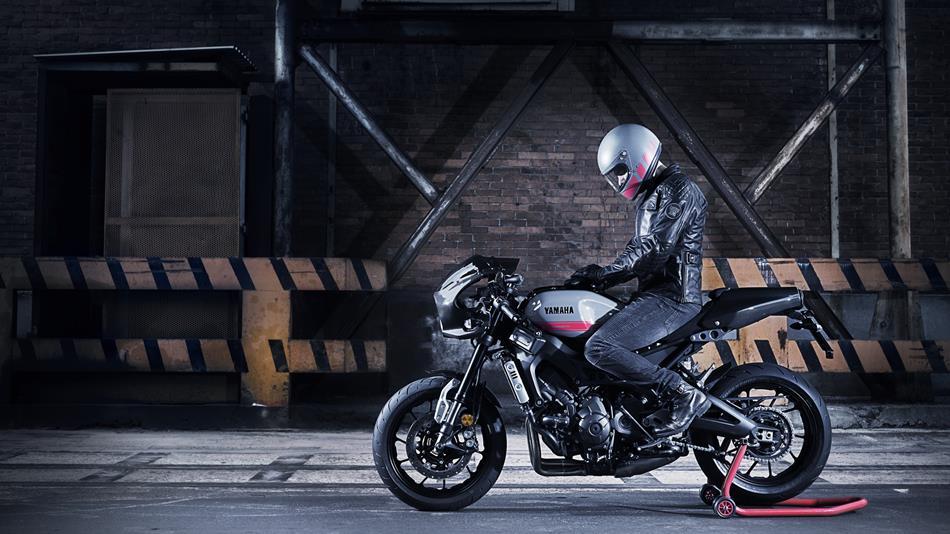 2017 Yamaha XSR900 Abarth EU Nimbus Grey Static