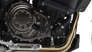 Shaft drive inline 2-cylinder engine - 270-degree crank
