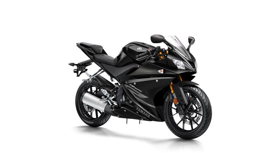 2017-Yamaha-YZF-R125-EU-Tech-Black-Studio-001