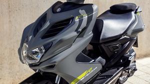 Aerodynamic supersport-style bodywork