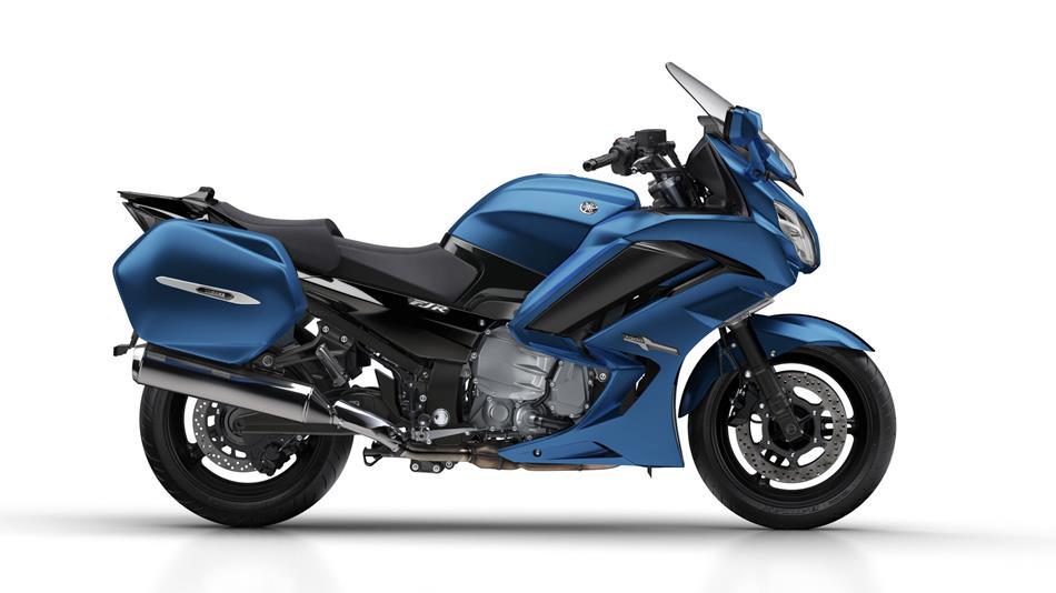 boîte 6 depuis quand ? 2018-Yamaha-FJR1300A-FR-Phantom-Blue-Studio-002