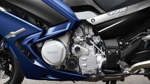 Motor de 1.298 cc cu 4 cilindri în linie