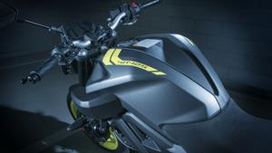 Streetfighter looks with supersport technology