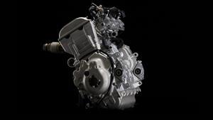 4-тактный 3-цилиндровый двигатель серии Genesis® рабочим объемом 1049 см3 с системой впрыска топлива EFI