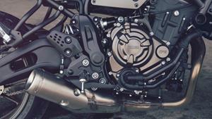 Außergewöhnlicher Reihen-Zweizylindermotor mit 689 ccm