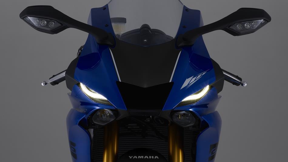 yzf   features techspecs motorcycles yamaha motor uk